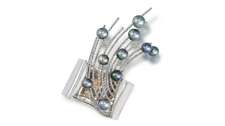 Bonhams Auction Pearl Cuff