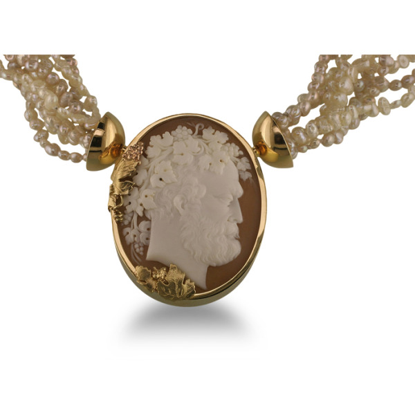 jewels-by-design-7-necklace-18k-yellow-gold-18k-white-gold-18k-rose-gold-18k-green-gold-shell-cameo