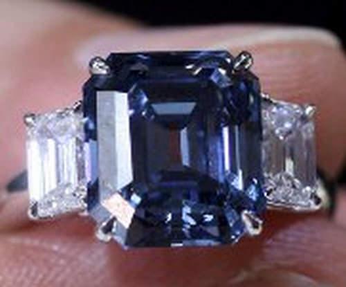 Rare blue diamond breaks world record in HK sale 2