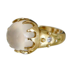 ana-cavalheiro-24-ring-18k-yellow-gold-white-moonstone-white-sapphire