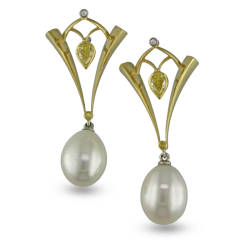 jewels-by-design-32-earrings-white-gold-18k-yellow-gold-pearls-diamond.jpg