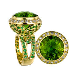 paula-crevoshay-59-ring-18-kt-gold-peridot-tsavorite-diamonds