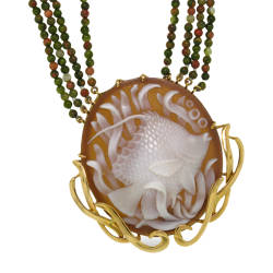 rainforest-designs-31-necklace-sardonyx-shell-cameo-18kt-yellow-gold-crazy-lace-green-agate