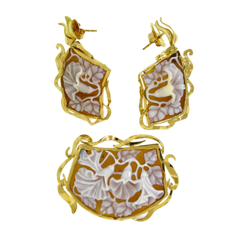 rainforest-designs-8-earrings-sardonyx-shell-cameo-18kt-yellow-gold