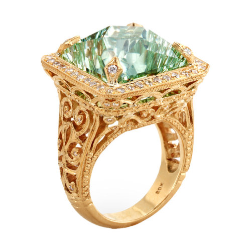 Elizabethan Ring with Untreated Aquamarine