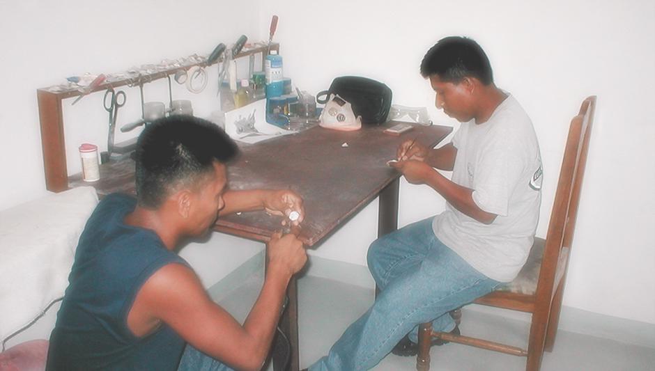 Shell Cameo Craftsmen