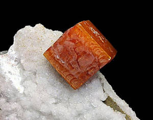 Mineral Collection Wulfenite on Quartz