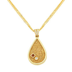 anastazio-jewellery-28-pendant-diamonds