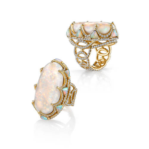 erica-courtney-18-ring-18kt-yellow-gold-opal-diamonds-opal-trilliants