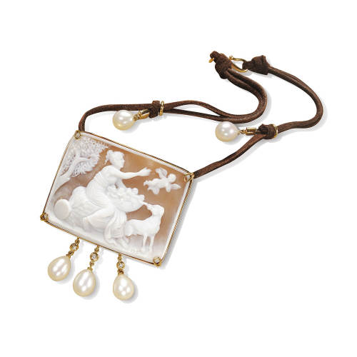 Cameo Pink Gold Pendant