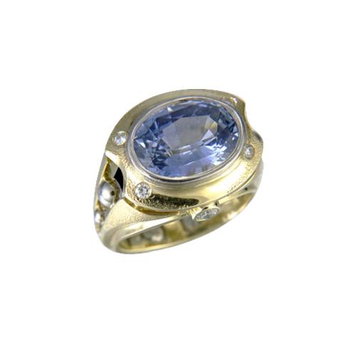 rika-jewelry-designs-10-ring-18kt-yellow-gold-sapphire-diamonds