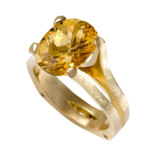 Ring with Natural Yellow Sapphire