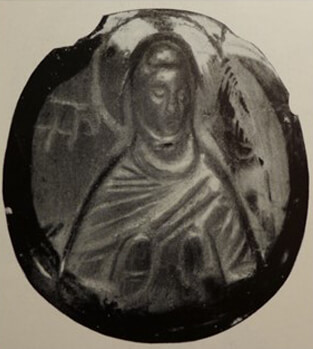 Fig. 14 - Saphir-Cameo with the Mother of God orans (ca. 1300) Private Collection, David Talbot Rice, Edinburgh
