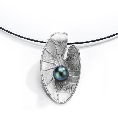 Lily pad Pendant with pearl